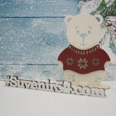 Медвежонок в новогоднем оформлении